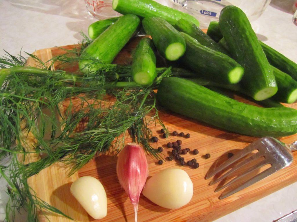 Малосольные огурцы хрустящие ингредиенты: огурцы