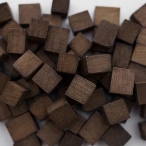 Щепа дубовая кубики сильный обжиг 100 гр