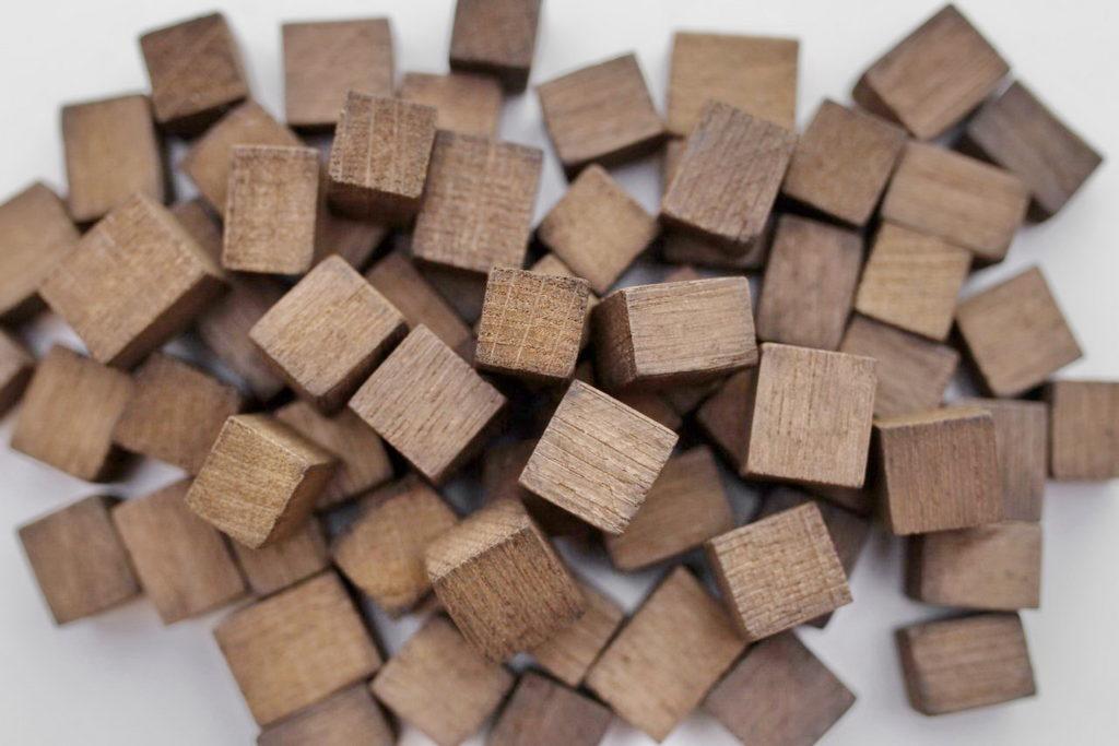 Щепа дубовая кубики средний обжиг 100 гр
